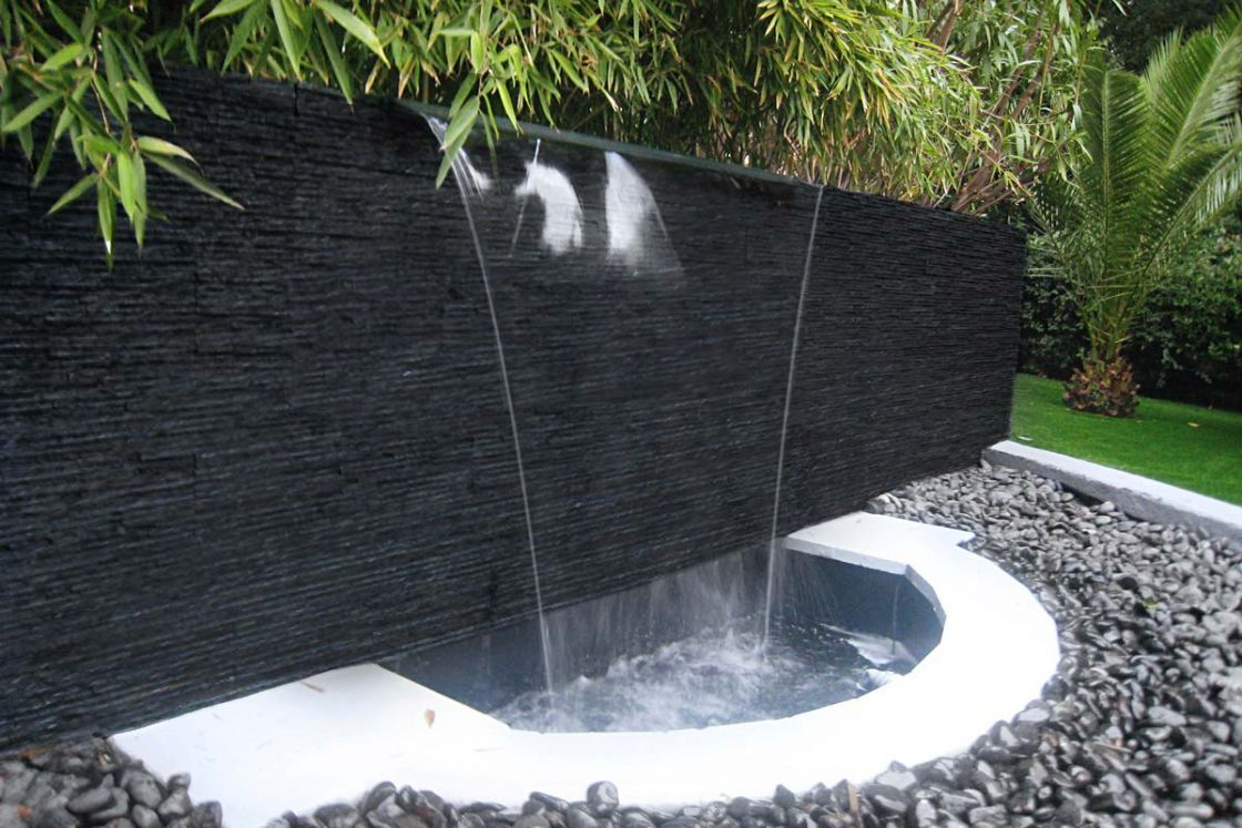 murs d eau mur dueau en verre sur mesure cabinet dentaire. Black Bedroom Furniture Sets. Home Design Ideas